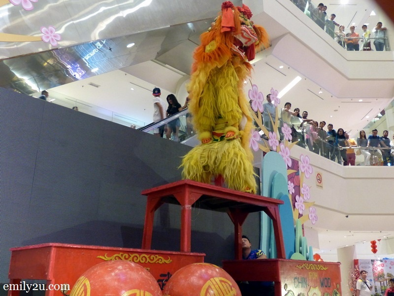 1. Northern lion dance