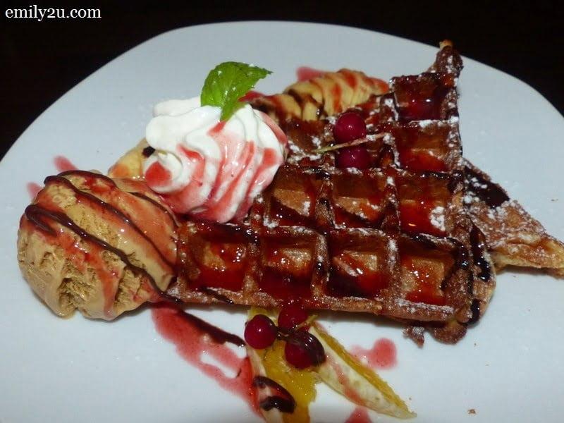 11. Rasta waffle - RM15