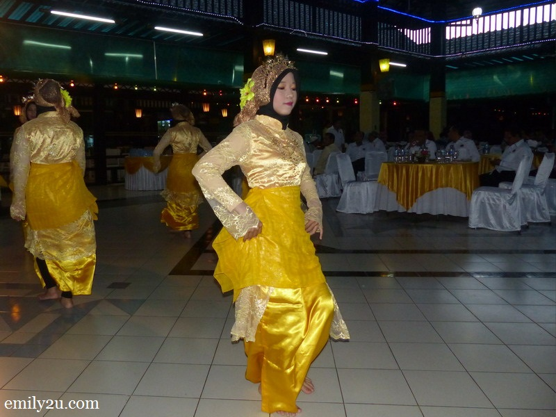 15. cultural dance presentation in Medan Club