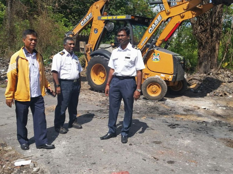 4. the area is cleared by workers of Ipoh City Council