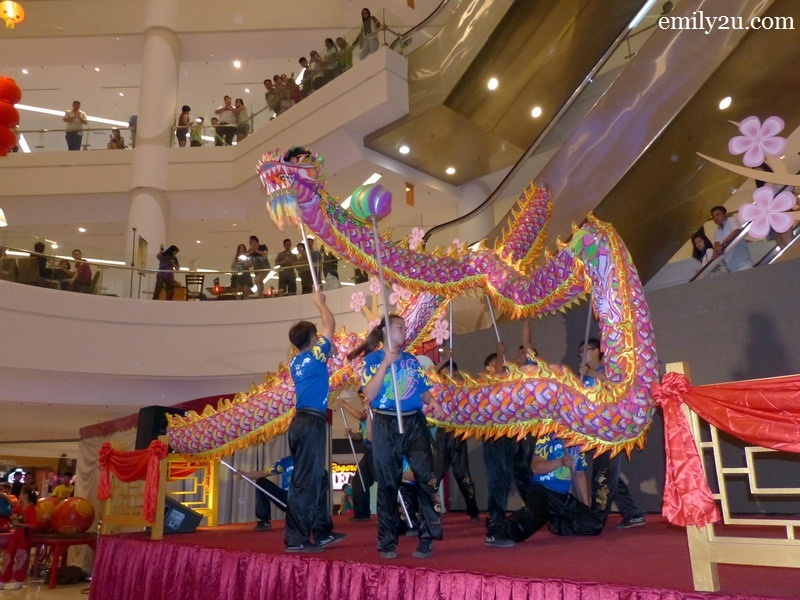 4. dragon dance