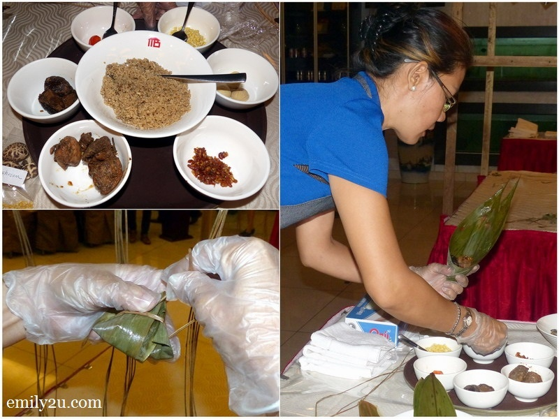 11. wrapping a different type of rice dumpling
