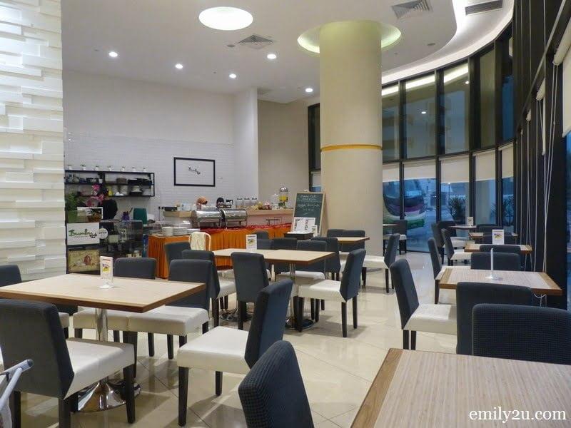 12. Bumbu Cafe