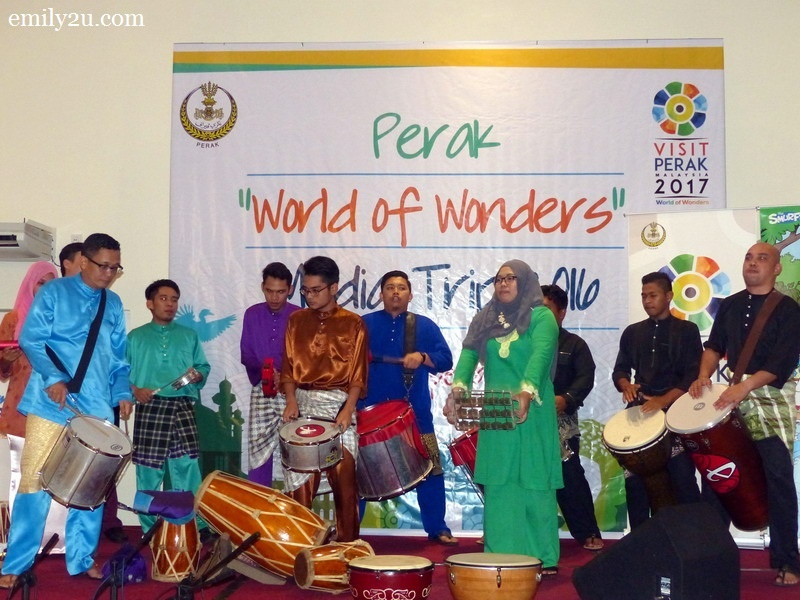 17. Seniman Anak Perak (SNAP) wraps up the event with a percussion presentation