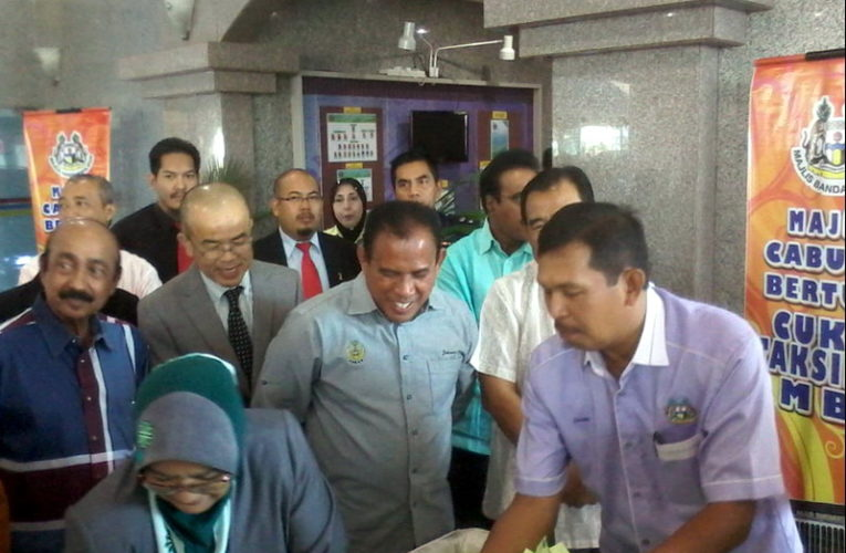 Motorcycles For Five Lucky Ratepayers in Ipoh