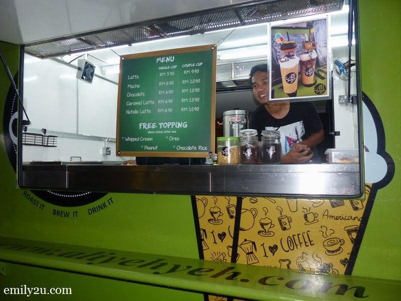3. Ali Yeh Yeh green food truck