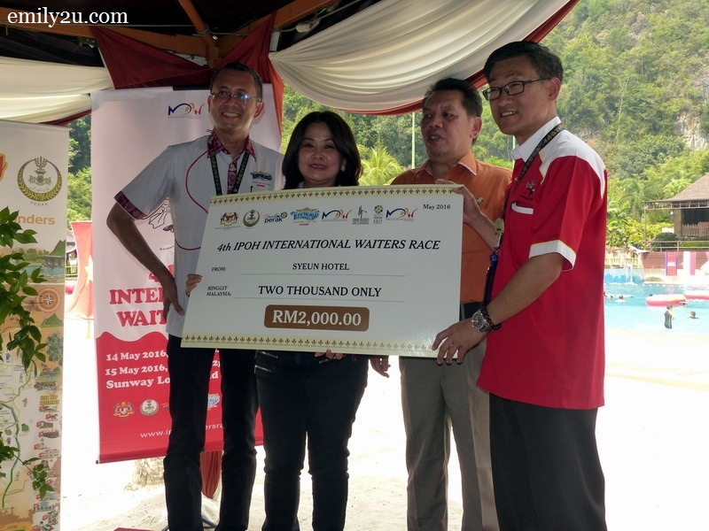 8. Syeun Hotel sponsors RM2,000 - hotel director Maggie Ong is second from left