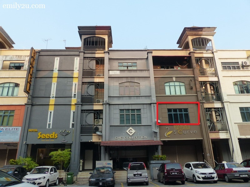 1. Dreamville Hostel Kuala Lumpur (marked red) is just within walking distance from the Setiawangsa LRT Station