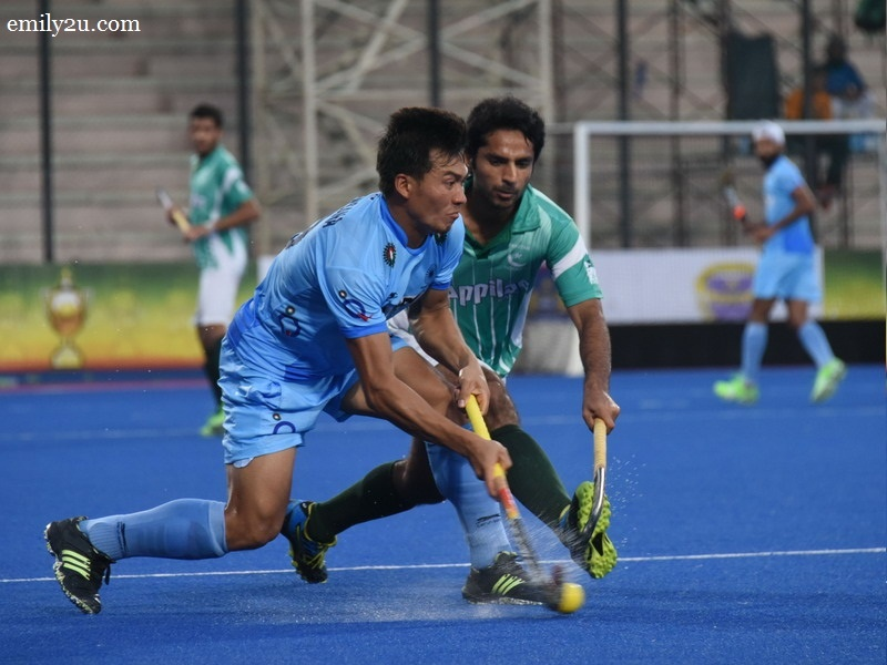 1. India (blue) vs. Pakistan (green/white)