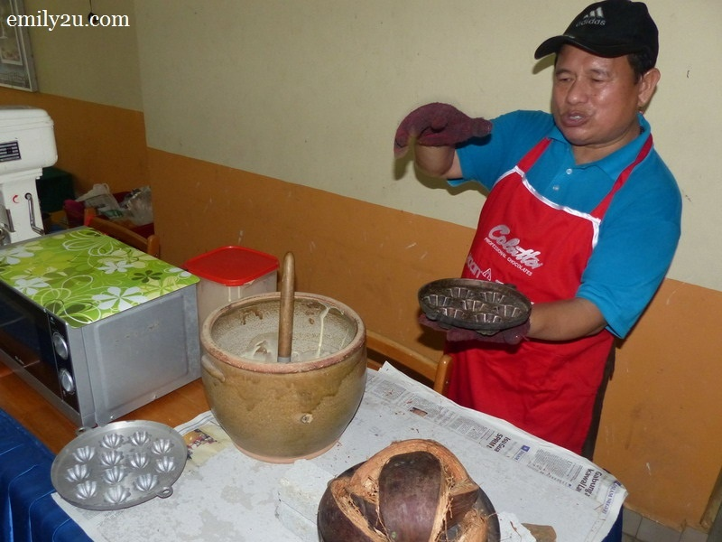 1. Ismail explains the traditional way of making kuih bahulu