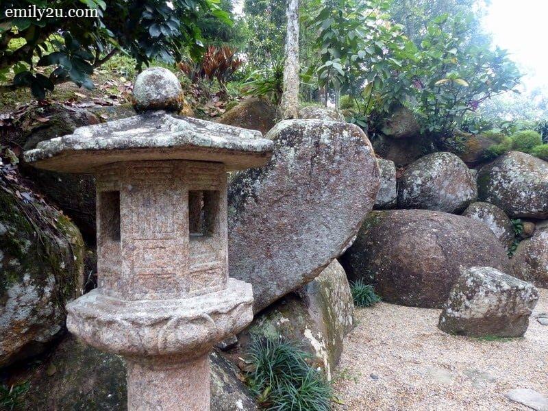11. Japanese garden deco