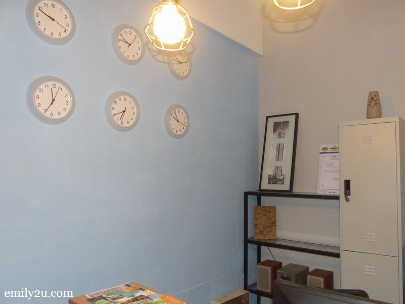 2. clocks that show the time for different world cities at the reception counter