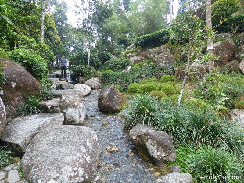 3. Japanese-themed garden