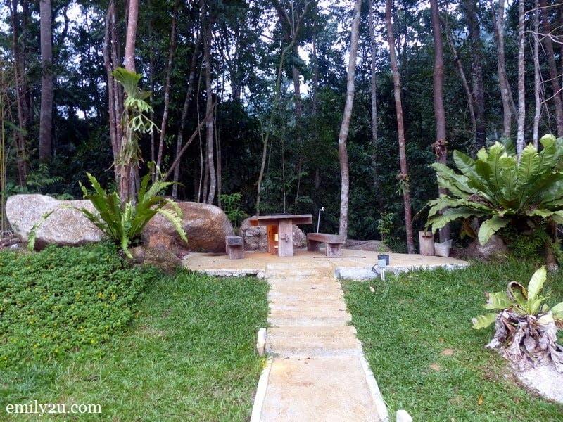 3. garden setting