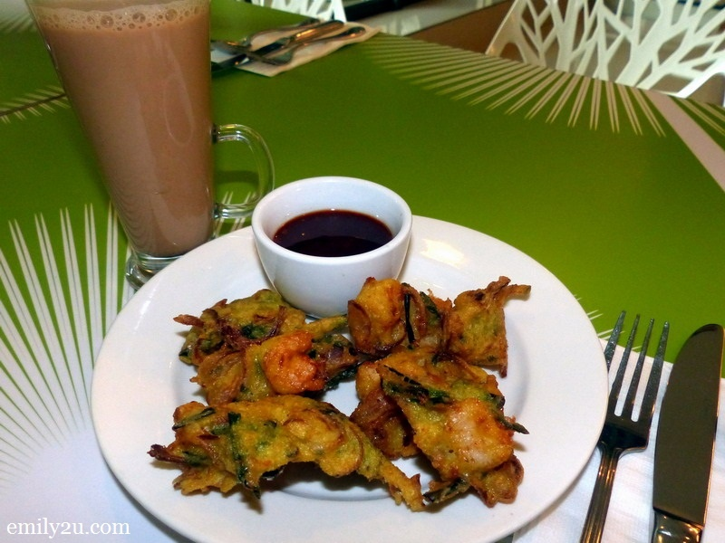3. Impiana Hotel Ipoh's cucur udang set at RM12 nett