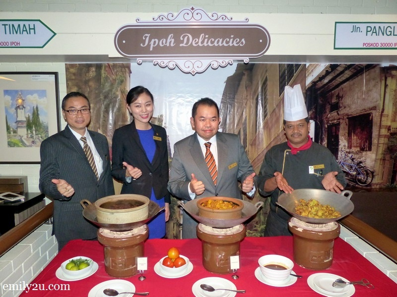 5. introducing Ipoh Food Corner (L-R): IHI Director of Sales Edward Lai, Marcom Manager Chiam E-Fay, General Manager Tony Lim and Chef Azman