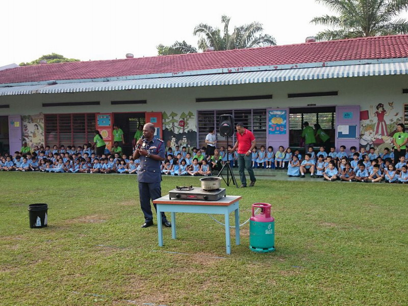 1. pupils, teachers and parents are being briefed on fire safety