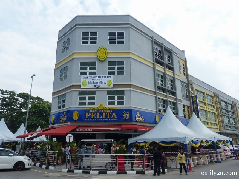 12. Nasi Kandar Pelita (Ipoh) is the corner lot of the new row of shophouses along Jalan Kamaruddin Isa, Fair Park