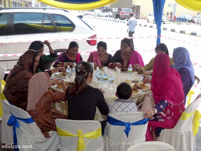3. a table of guests enjoying their complimentary meal