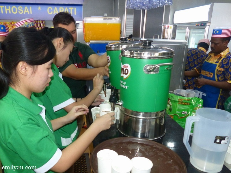 6. free-flow of Milo, teh tarik and other beverages