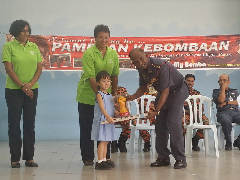5. one of the pupils receives a prize