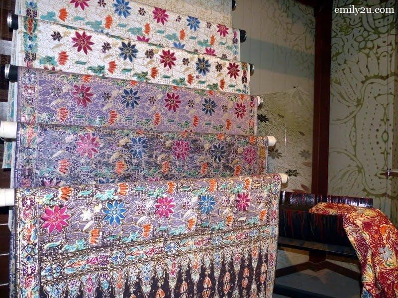 2. batik