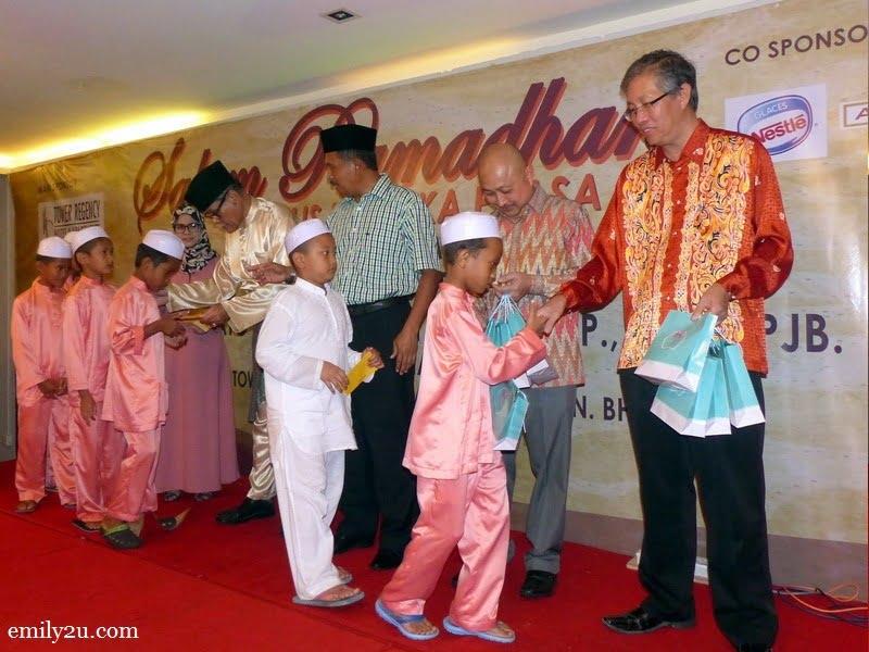 2. children from Pertubuhan Kebajikan Anak-Anak Yatim Miskin Dahikmah, Gopeng