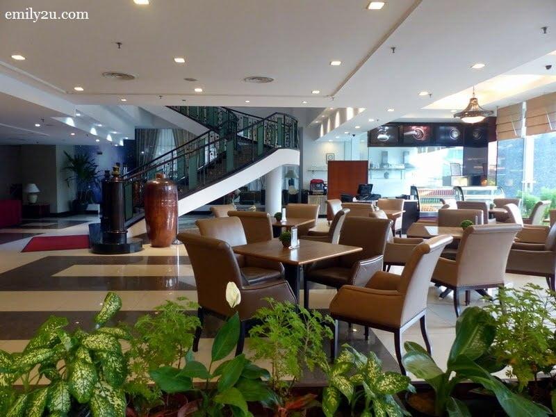 3. Bakeshop & Cafetiam