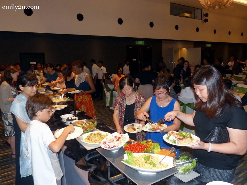 5. a scrumptious buffet dinner