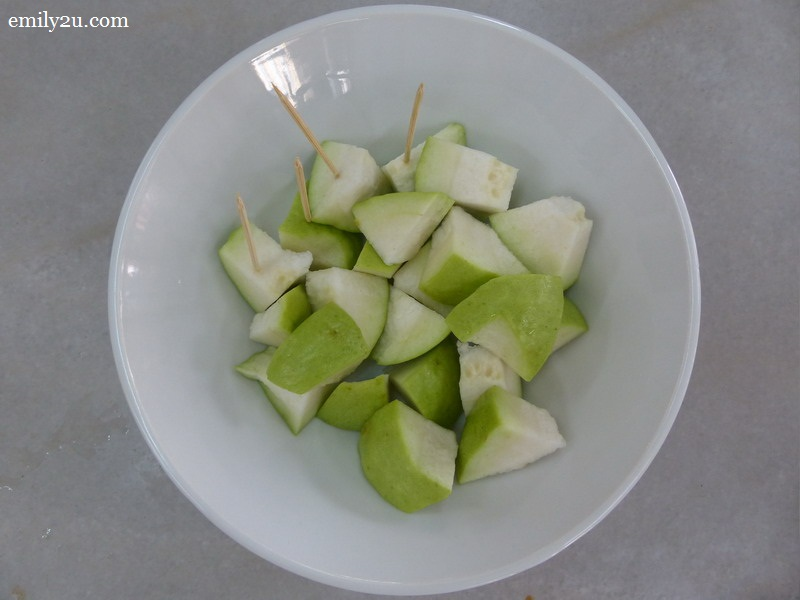 6. sweet & crunchy apple guava