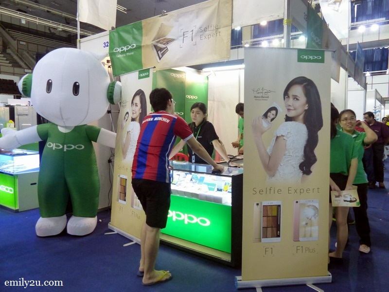3. OPPO booth