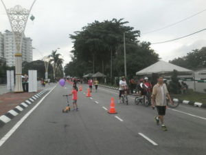 1. a real car-free day