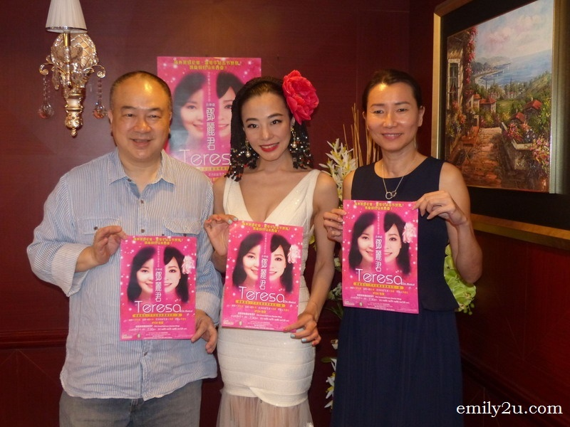 1. L-R: producer Clifton Ko Chi Sum, theatre actress Perry Chiu Woon & Ritz Garden Hotel Ipoh manager Lily Chee
