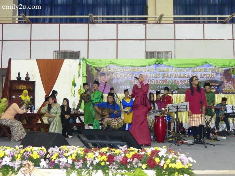 2. entertainment by MBI's very own Gema Warisan Budaya