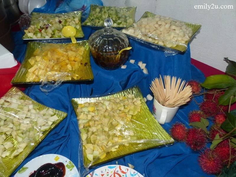 5. fruit rojak