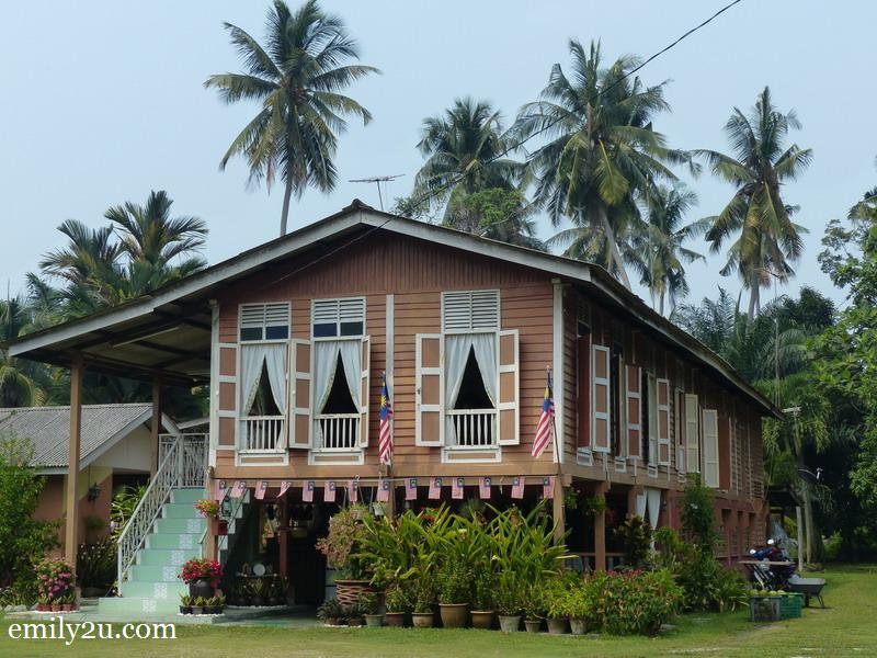 1. a traditional house in Kg. Endah, Banting