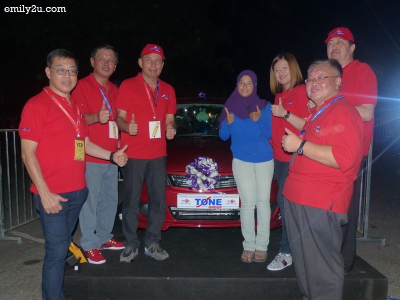 16. winner of the Proton Saga car worth RM40,000 - Siti Nur Khadijah Bt. Khamis (in blue)