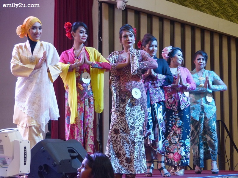6. six contestants for Miss Kebaya
