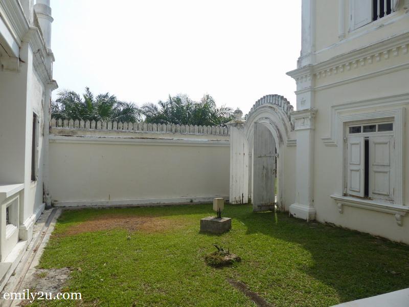 7. inner courtyard