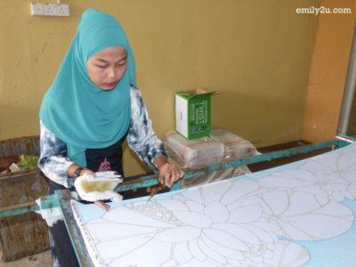 14. batik canting