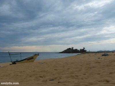 25. Kemasik Beach