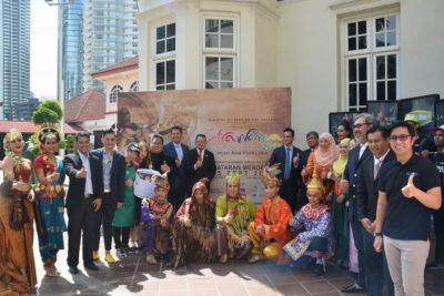 4. group photo during the launch of Citrawarna@Kuala Lumpur 2016