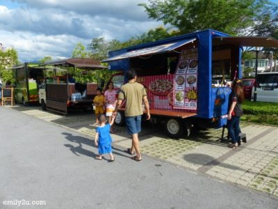 6. food trucks ready to serve