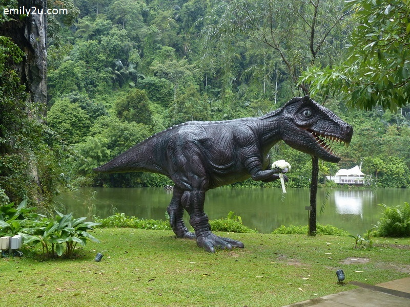 1. The Haven's iconic Tyrannosaurus Rex holds the bridal bouquet