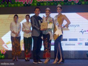 10-miss-malaysia-kebaya-perak