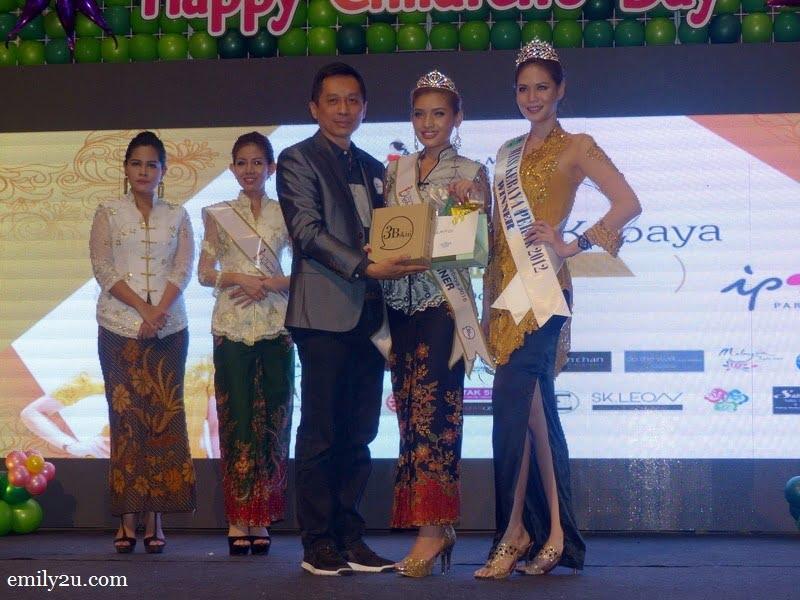 10. and the Miss Malaysia Kebaya Perak 2016 is Nurul Ain
