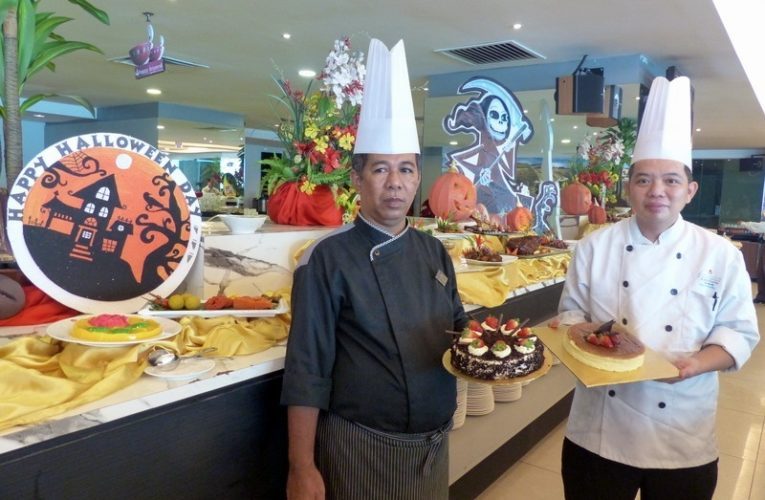 Chef's Signature Dishes for Buffet Lunch @ Palong Coffee House