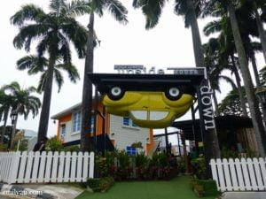 13-kuala-lumpur-upside-down-house