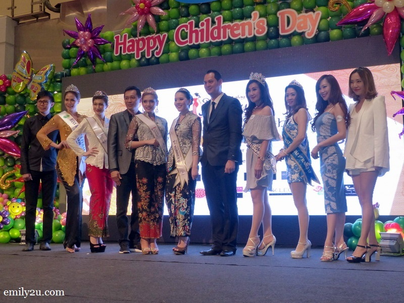 13. a group photo of the winners with sponsors and judges