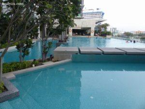 16-swiss-garden-hotel